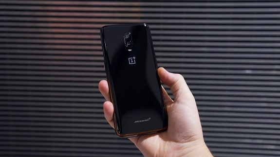 OnePlus 6T McLaren Edition - as fast and powerful as an expensive car